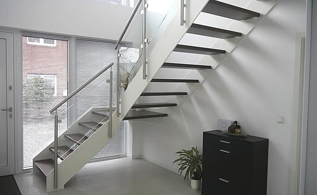 restauration. Black Bedroom Furniture Sets. Home Design Ideas